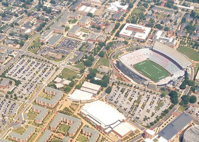 10 Top Collegiate Track and Field Facilities