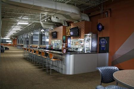 Along with Allante Grill, the complex also boasts a bar called Upper 90 Pub which serves over 20 different beers