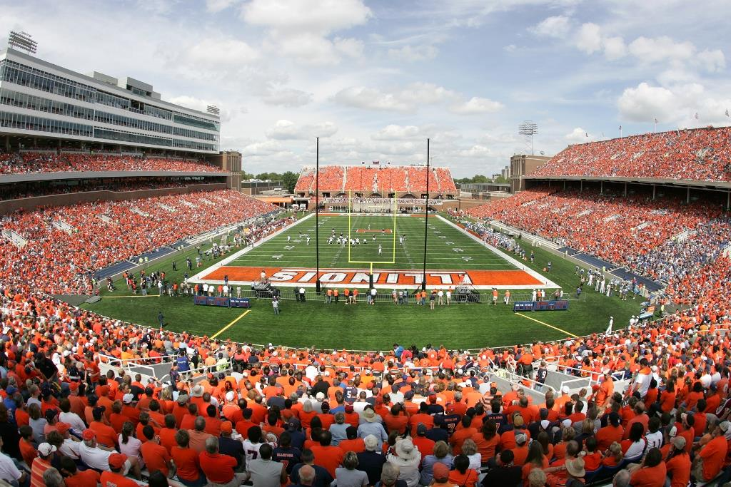 A World-Class Experience On and Off the Field Awaits in Illinois