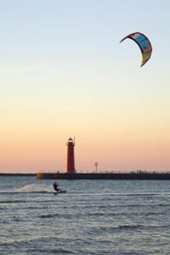 Pere Marquette-Lake MI parasurfing
