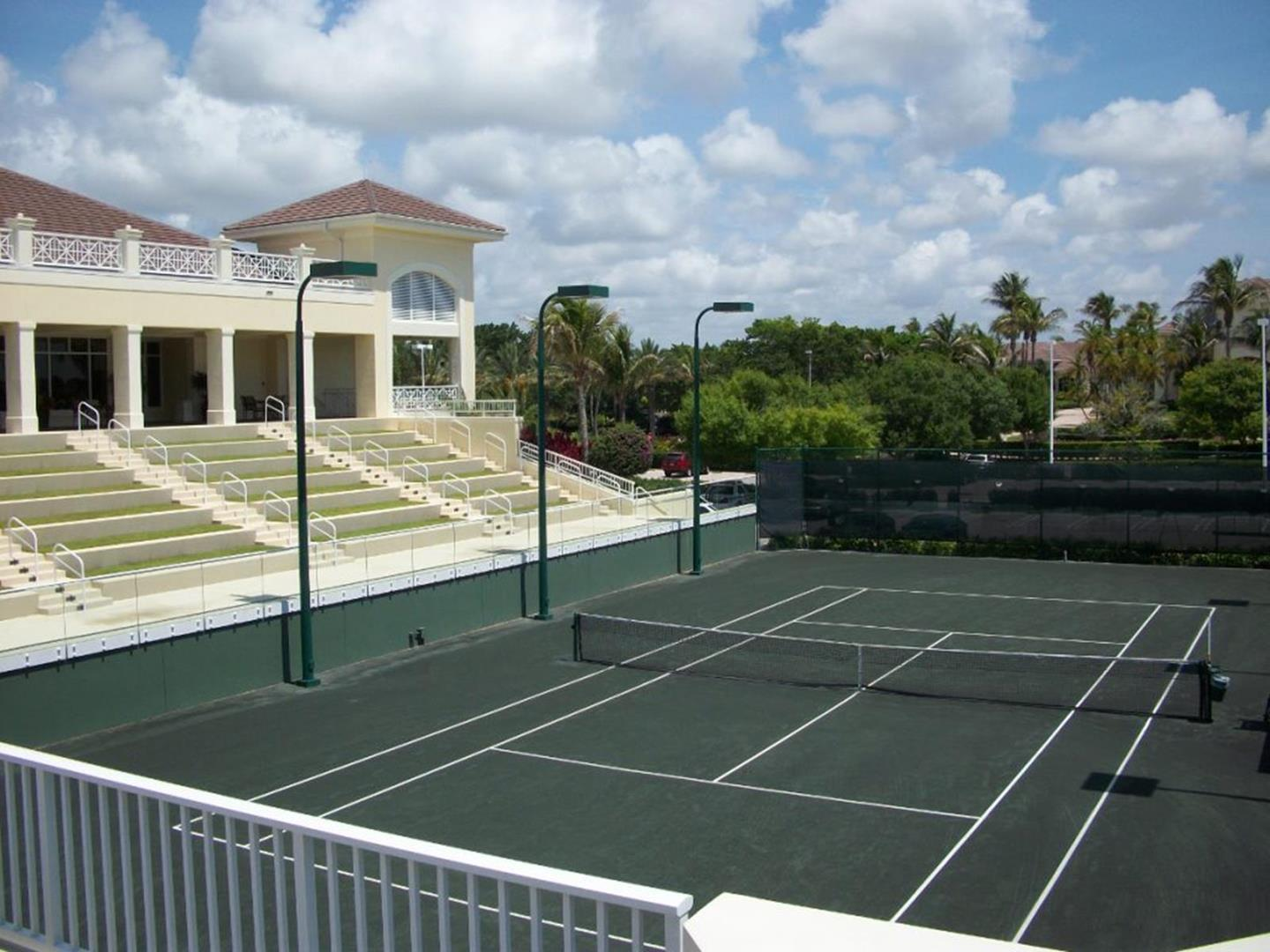 Tennis clubs in palm beach gardens fl garden ftempo for Sports bars palm beach gardens