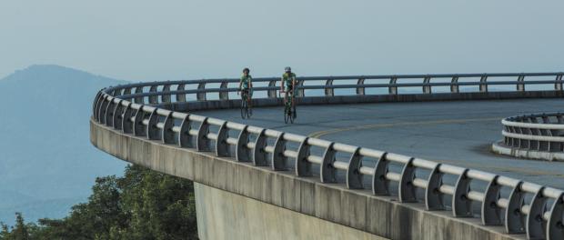 Bikers on the Linn Cove Viaduct_1199x800