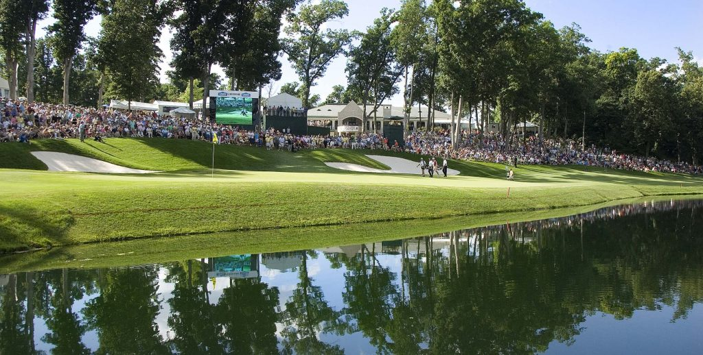 John Deere Classic 18th hole-crowd